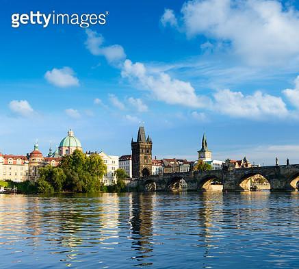The Charles Bridge in Prague, Czech Republic. - gettyimageskorea