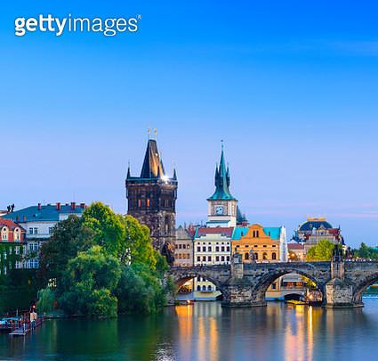 The Charles Bridge in Prague at Twilight, Czech Republic - gettyimageskorea
