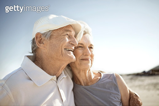 senior couple on beach - gettyimageskorea