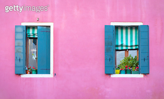 Venice Italy - Beautiful Pink wall with two blue windows - gettyimageskorea