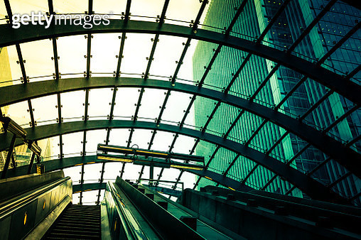 Futuristic Modern Architecture at Canary Wharf Subway Station, London, UK - gettyimageskorea