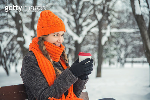 An inviting smile - gettyimageskorea
