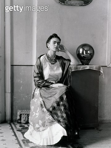<b>Title</b> : Frida Kahlo (1907-54) in Manuel Alvarez Bravo's Studio, 1930's (gelatin silver photograph)Additional Infowife of Diego Rivera (1<br><b>Medium</b> : gelatin silver photograph<br><b>Location</b> : Museum of Fine Arts, Houston, Texas, USA<br> - gettyimageskorea