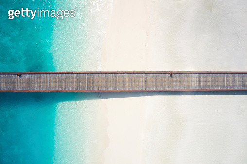 top view jetty over sandy beach and lagoon - gettyimageskorea