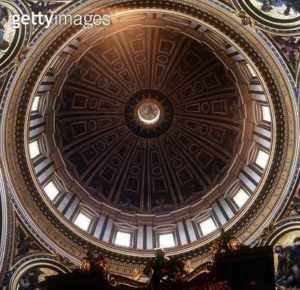 <b>Title</b> : View of the interior of the cupola (photo)Additional InfoRom; Peterskirche; Vatikan; begun by Michelangelo in 1546 and completed<br><b>Medium</b> : <br><b>Location</b> : St. Peter's, Vatican, Rome, Italy<br> - gettyimageskorea