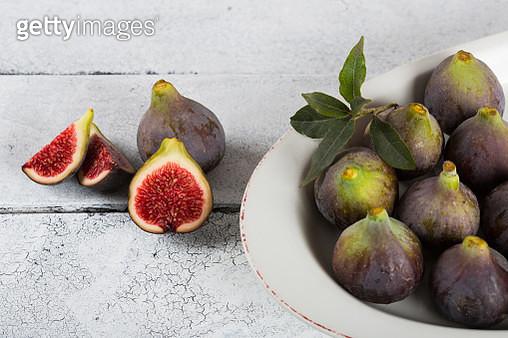 Ripe figs ready to eat - gettyimageskorea