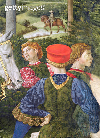 <b>Title</b> : Liveried attendants, detail from the Journey of the Magi cycle in the chapel, c.1460 (fresco)<br><b>Medium</b> : fresco<br><b>Location</b> : Palazzo Medici-Riccardi, Florence, Italy<br> - gettyimageskorea
