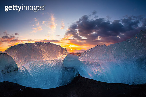 Beautiful beached chunks of ice at the beach - gettyimageskorea
