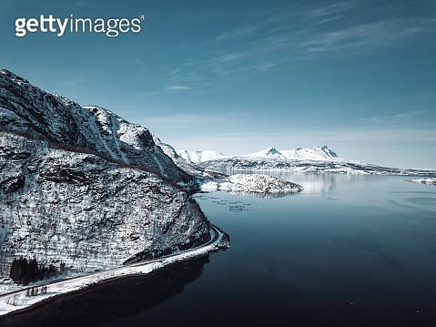 reflections at the lofoten island - gettyimageskorea