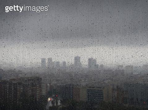 Barcelona in the rain - gettyimageskorea
