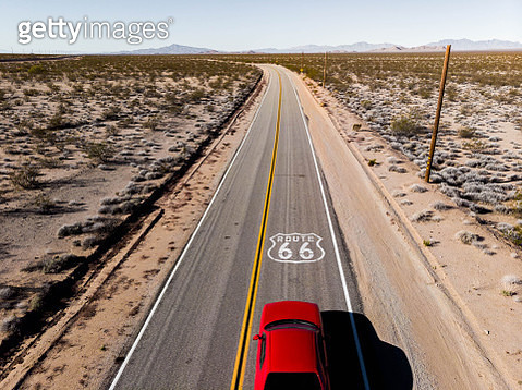 Road trip during the Route 66 in California. - gettyimageskorea