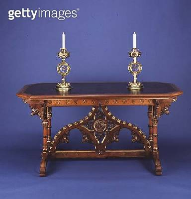 Carved and gilded side table/ destroyed in 1991 (wood) - gettyimageskorea