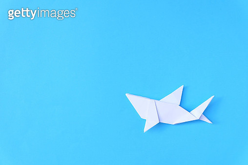 Directly Above Shot Of Paper Fish Over Blue Background - gettyimageskorea