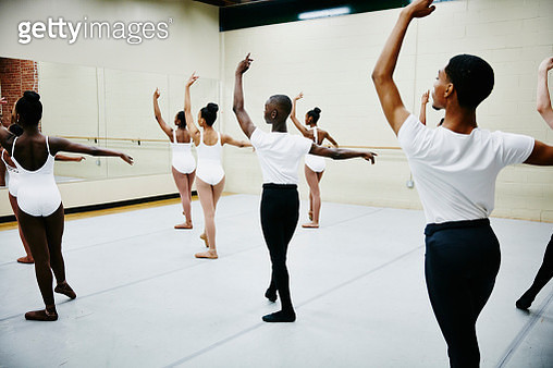 Group of young ballet dancers practicing in studio - gettyimageskorea