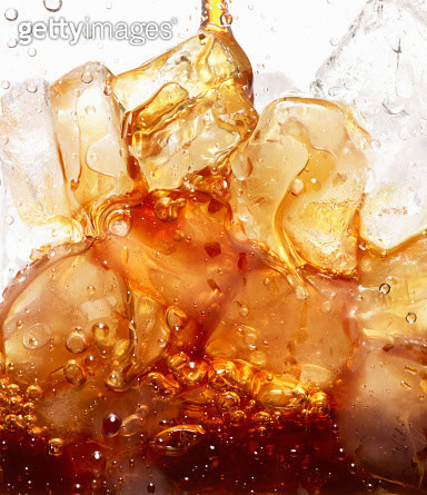 Close Up of Coffee Pour Over Ice Cubes - gettyimageskorea