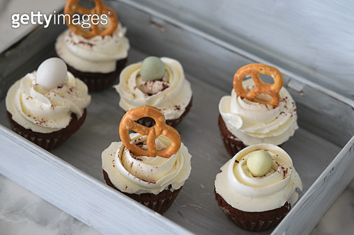 Easter Cupcakes With White Glaze, Cupcake In The White Box, Top View, Selective Focus, Close Up - gettyimageskorea