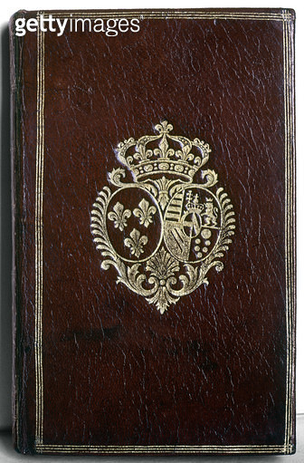 MARIE ANTOINETTE: BOOK./nCover of a book belonging to Marie Antoinette, with her coat of arms, 18th century. - gettyimageskorea
