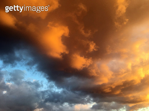 Low Angle View Of Storm Clouds In Sky - gettyimageskorea