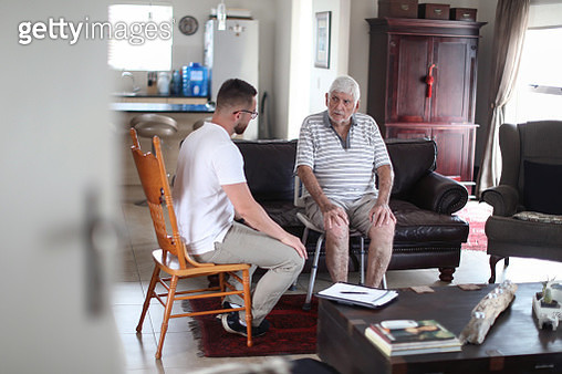 Caregivers at home - gettyimageskorea