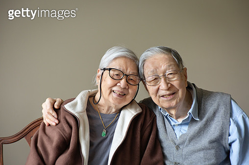 Asian Chinese Senior Couple Indoor Portrait - gettyimageskorea