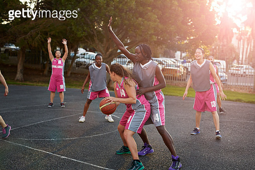 Reportage photos of real amatuer female basket team at practice, Shot at sunset - gettyimageskorea