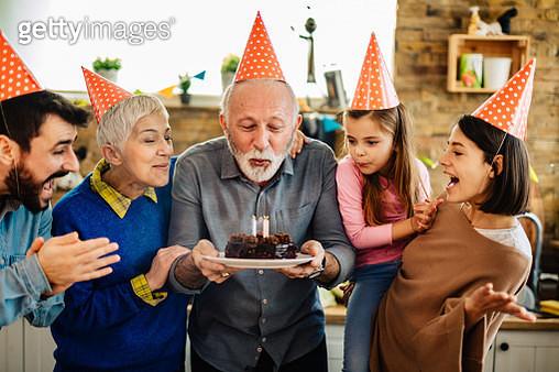 Family celebrating birthday - gettyimageskorea