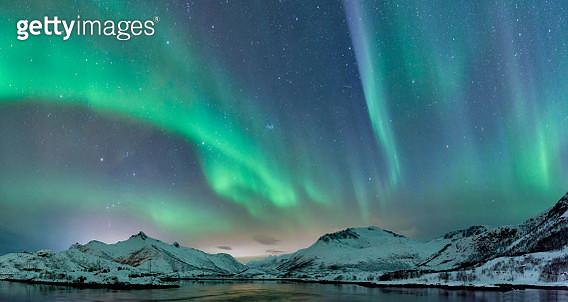 Northern Lights over the Lofoten Islands in Norway - gettyimageskorea