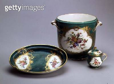 <b>Title</b> : Tray, wine cooler and cream bowl and cover, from the Green Service, Sevres, 1756 (soft-paste porcelain)Additional Infopainted by<br><b>Medium</b> : soft-paste porcelain with overglaze and gilding<br><b>Location</b> : Hermitage, St. Petersbu - gettyimageskorea