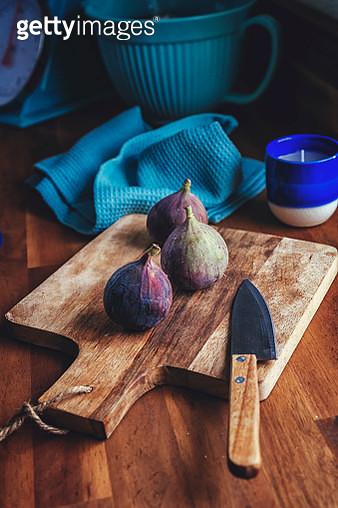 Fresh Figs on Wooden Board - gettyimageskorea