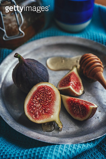 Fresh Figs with Honey - gettyimageskorea