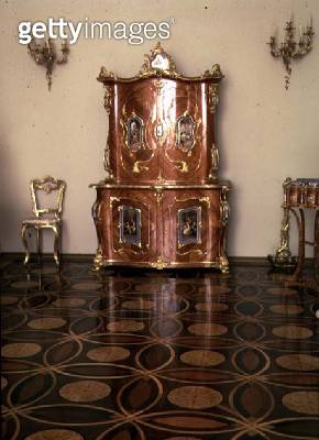 <b>Title</b> : Cabinet by Gavril Alexander, 1846 (rosewood, bronze and painted porcelain)<br><b>Medium</b> : rosewood, bronze, porcelain<br><b>Location</b> : Hermitage, St. Petersburg, Russia<br> - gettyimageskorea