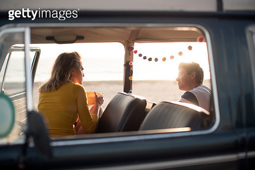 WS Young couple on a road trip in a vintage camper van - gettyimageskorea