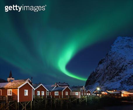 Northern lights - Aurora borealis over Reine, Lofoten, Norway - gettyimageskorea