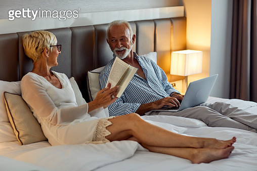 Senior Couple In A Hotel - gettyimageskorea