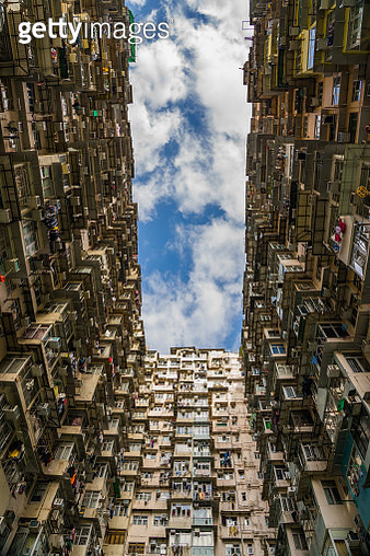 Low Angle View Of City - gettyimageskorea