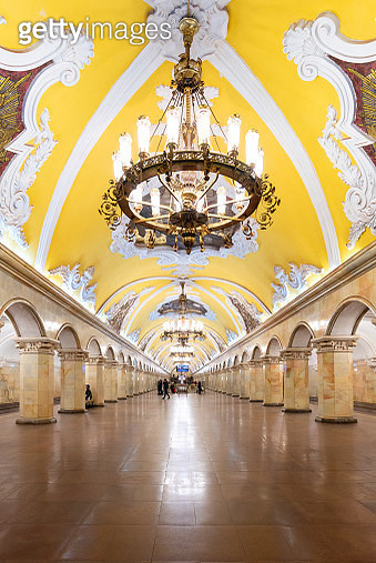 Interior design of the Komsomolskaya metro station in Moscow, Russia. - gettyimageskorea