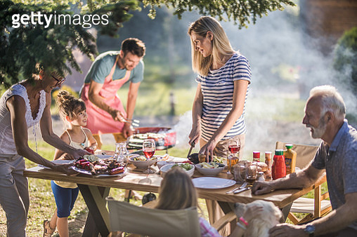 Family's lunch in the backyard! - gettyimageskorea