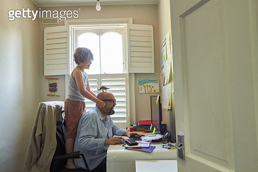 Mature man working from home - gettyimageskorea