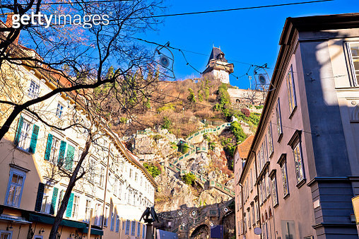 City Of Graz Street And Stairway To Uhrturm View - gettyimageskorea