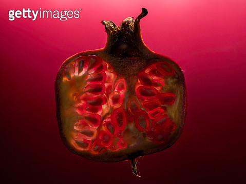 Close-up cross section of a pomegranate - gettyimageskorea