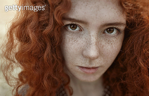 girl with freckles - gettyimageskorea