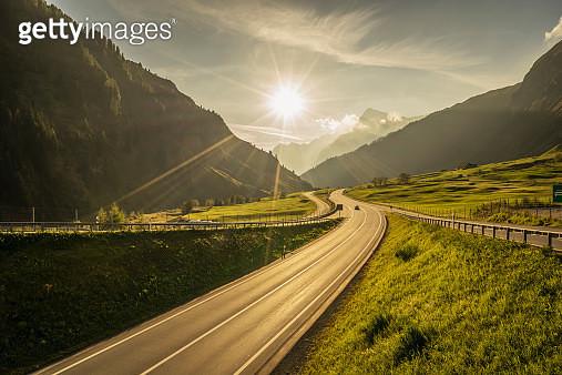 Traffic on a mountain road - gettyimageskorea