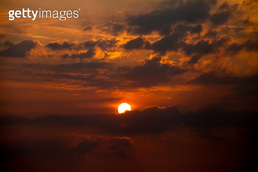 Low Angle View Of Dramatic Sky During Sunset - gettyimageskorea