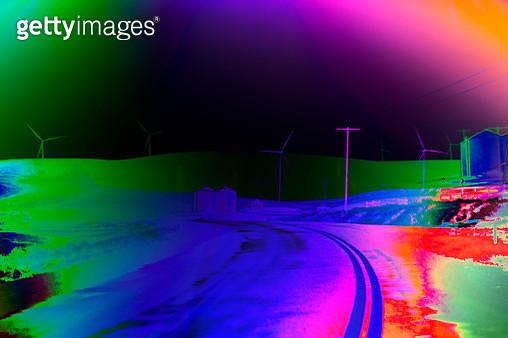 Abstract highway scene through wind turbine landscape - gettyimageskorea