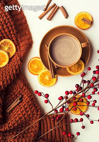 Hot chocolate and cinnamon sticks - gettyimageskorea