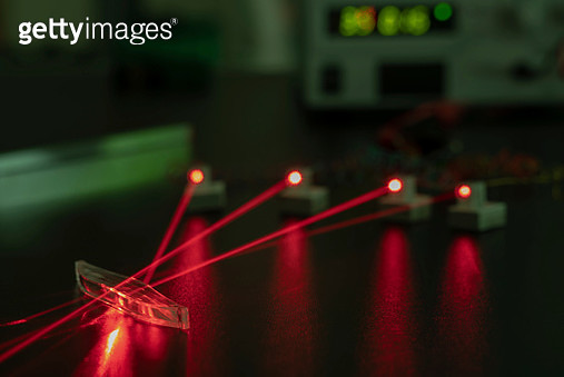 Photonics laboratory - gettyimageskorea