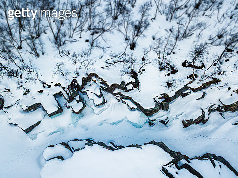 Footsteps In The Snow - gettyimageskorea