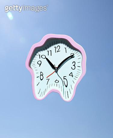 Melting clock - gettyimageskorea