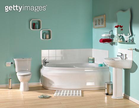 Large luxurious bathroom - gettyimageskorea