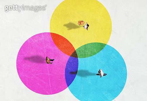 People from above inside colorful circles with social distancing. - gettyimageskorea